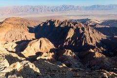 Abandonnez les montagnes de canyon que les falaises de roche se gorgent, voyage Israël de Negev Images libres de droits