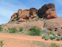 Abandonnez les vues panoramiques des sentiers de randonnée autour de St George Utah autour de Beck Hill, de Chuckwalla, de mur de Image libre de droits