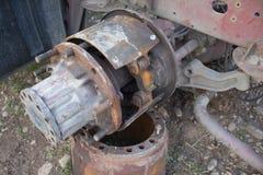 Abandono por años y viejos mohos de los camiones Interior del coche viejo abandonado Fotos de archivo