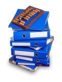 Abaque de vintage sur la pile de dossiers bleus Images libres de droits