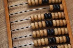 Abaque en bois de vintage sur la table Images stock