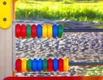 Abaque sur le terrain de jeu coloré Image libre de droits