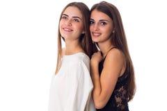 abarcamiento de la mujer joven dos Fotografía de archivo libre de regalías