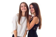 abarcamiento de la mujer joven dos Foto de archivo