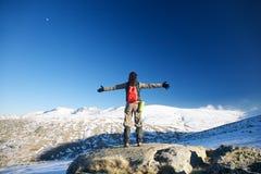 Abarcamiento de las montañas de la nieve Fotos de archivo