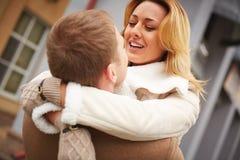 Abarcamiento de los amores Foto de archivo libre de regalías