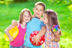 Abarcamiento de los niños Foto de archivo libre de regalías