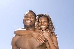 Abarcamiento de los pares del afroamericano Foto de archivo libre de regalías