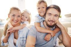 Abarcamiento de padres Imagen de archivo libre de regalías