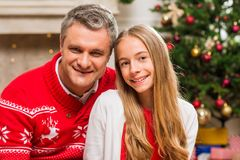 Abarcamiento del padre y de la hija Fotografía de archivo libre de regalías