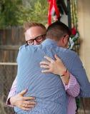 Abarcamiento gay de los pares Imagen de archivo libre de regalías