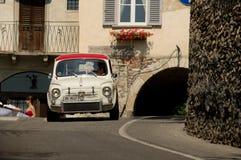Abarth 695 på Bergamo den historiska granda prixen 2017 Fotografering för Bildbyråer