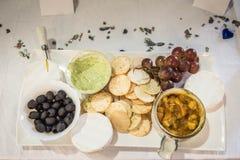 Abastecimiento - comida en las placas Fotos de archivo libres de regalías