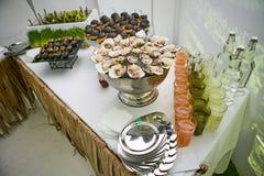 Abastecimiento comiendo compañerismo Imagen de archivo