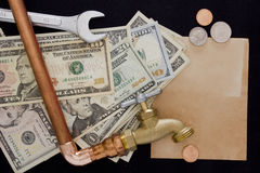 Abastecimiento de agua del pago y de la reparación Fotos de archivo libres de regalías