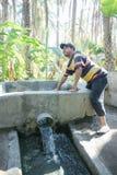 Abastecimiento de agua en el oasis de Tozeur Imagen de archivo
