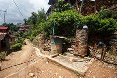 Abastecimiento de agua, Falam, Myanmar (Birmania) Fotos de archivo libres de regalías