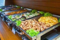 Abastecimiento de la comida fría de la comida en restaurante Fotografía de archivo