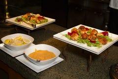 Abastecimiento del aperitivo de la comida fría del almuerzo Imágenes de archivo libres de regalías