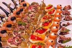 Abastecimiento delicioso de la comida Recepción del cóctel Imagen de archivo libre de regalías