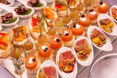 Abastecimiento delicioso de la comida Recepción del cóctel Fotos de archivo libres de regalías