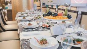Abastecimiento en restaurante de lujo antes de casarse Fotografía de archivo