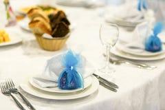 Abastecimiento hermoso de la boda en restaurante Imagenes de archivo