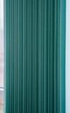 Abat-jour de fenêtre verticaux verts de textile Image libre de droits