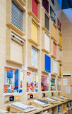 Abat-jour de Windows au magasin de DIY Photos stock