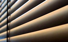 Abat-jour en bois modernes avec l'ombre au soleil Photo libre de droits