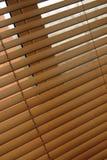 Abat-jour vénitiens en bois photo libre de droits