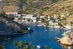 Abbai nelle barche di Mar Nero Balaclava sull'acqua immagini stock