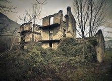 Abbandoned hus Arkivfoton