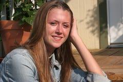 Abbastanza teenager sul portico Immagini Stock Libere da Diritti