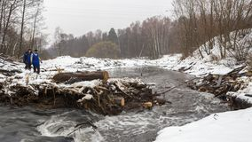 Abbau der Brücke auf Pekhorka Lizenzfreies Stockbild
