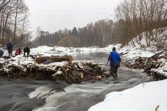 Abbau der Brücke auf Pekhorka Stockfotos
