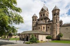 Abbaye bénédictine médiévale en Maria Laach, Allemagne photographie stock libre de droits