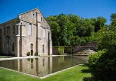 Abbaye de Fontenay i Bourgogne, Frankrike Arkivbild