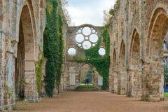 Abbaye des Vaux de Cernay royaltyfria bilder