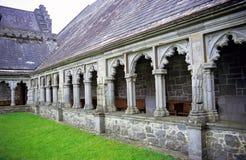 Abbaye en travers sainte Photos libres de droits