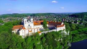 Abbazia del benedettino in Tyniec, Polonia stock footage
