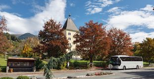 Abbazia di Millstatt nella caduta Millstatt vede, l'Austria Immagine Stock