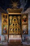 Abbazia di Staffarda Italia, polyptych principal del altar Fotos de archivo libres de regalías