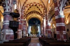 Abbazia di Staffarda Italien, zentrales Kirchenschiff Stockfoto
