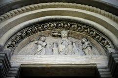 Abbazia di Vezzolano, detalj av fasaden Royaltyfri Bild