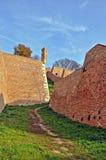 Paesaggio con le pareti di vecchia fortezza fotografie stock libere da diritti