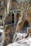 Abbellisca con le viste del monastero della caverna di Vardzia & x28; Gruziya& x29; Immagini Stock Libere da Diritti