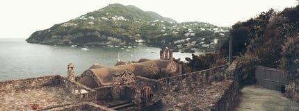 Abbellisca in ischi dal castello del Aragonese, Italia Immagini Stock