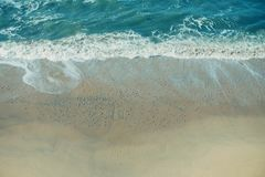 Abbellisca la foto presa dall'alta posizione di vantaggio della spiaggia di Half Moon Bay, la California Immagini Stock Libere da Diritti