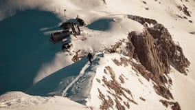 Abbellisca la vista della capanna Kredarica della montagna da Mali Trigl Fotografia Stock Libera da Diritti